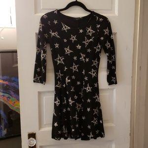 Forever 21 sz S skater dress black with white star